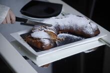 Ciasto Drożdżowe Rogal Krojenie