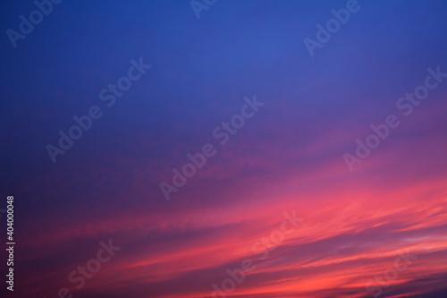 Obraz 夕焼けとたなびく雲 - fototapety do salonu