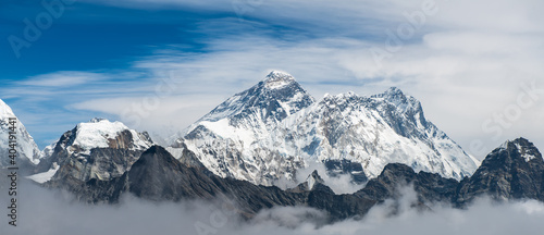 Canvas Mount Everest (8,848 m) the highest mountains in the world