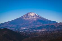 背景、美しい、美しさ、青、穏やかな、早い、富士、藤山、丘、日本、日本人、ランドマーク、風景、光、朝、朝顔、山、山、mt、mt富士、国、自然、屋外、公園、 ピーク、リラックス、リラクゼーション、岩、風景、風光明媚な、季節、空、雪、日の出、シンボル、観光、旅行、ビュー、火山、冬、冬の背景