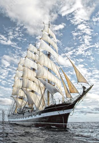 Sailing ship. Yachting © Alvov