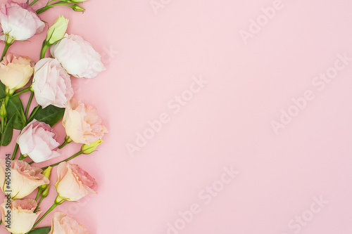 Fototapeta Flowers composition. Frame made of pink rose flowers. Flat lay, top view, copy space Birthday, Mothers, Valentines, Womens, Wedding Day concept. obraz