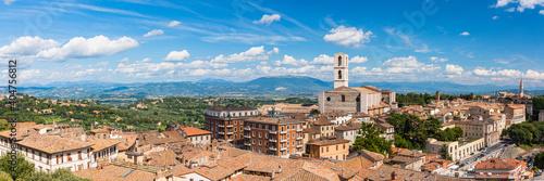 Fotografia イタリア ペルージャのサン・ドメニコ教会とサン・ピエトロ教会