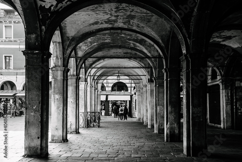 Foto Colonnades In Historic Building