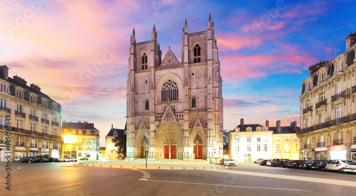 Foto Nantes city in France - Sunset view on the saint Pierre cathedral