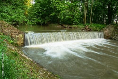 Fotografia Weir on the river