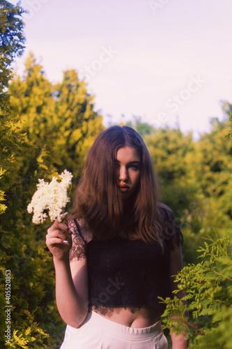 Obraz Teenage Girl At Park - fototapety do salonu