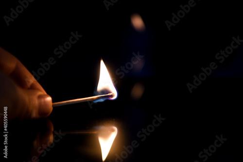 Fototapeta fiammifero accendere fuoco accensione fuoco fiammiferi fiamma candela candele br