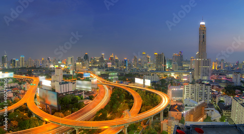 Foto High Angle View Of City Buildings Against Sky