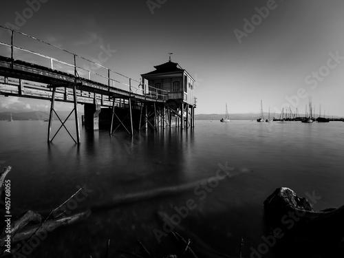Foto Pier Over Sea Against Sky