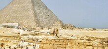 The Spinx And The Ancient Pyarimds Of Giza.