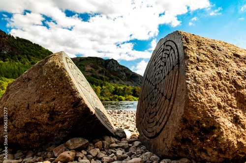 Foto A View Of The Millennium Stones On Derwent Water Against Sky