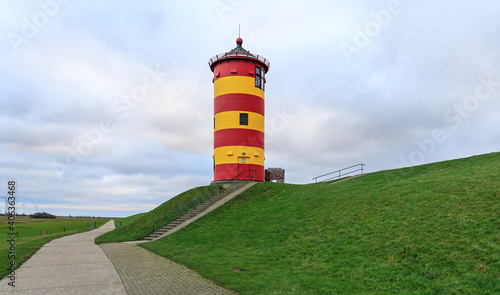 Fotografía Famous lighthouse of Pilsum in Easter Frisia aka Ostfriesland at the North Sea c
