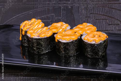 Fototapeta Japanese roll maki with salmon obraz