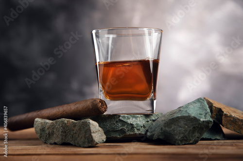glass of whiskey and cigar © Tiko