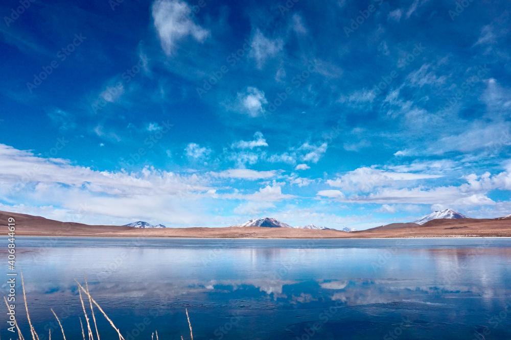 Fototapeta Laguna Colorada, Bolivia. The Red Lagoon, Sunny Day. Bolivia.