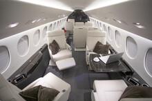 Private Jet Interion Falcon 7X