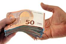 Échange D'argent Cash En Euro En Gros Plan Sur Fond Blanc