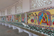 Madhubani Painting Or Mithila Paintings On Wall Of Mithila University, Darbhanga, Bihar, India. Mostly Depict People And Their Association With Nature And Scenes And Deities From The Ancient Epics