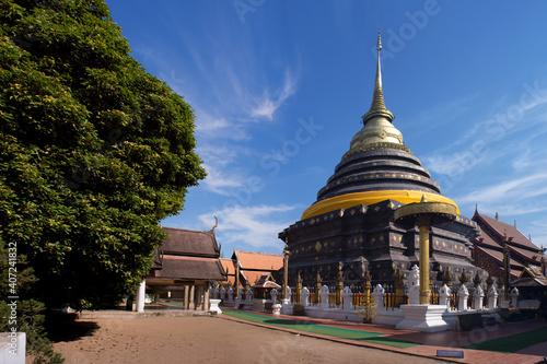 Obraz na plátně Ancient temple and old pagoda at Wat Phrathat Lampang Luang ,Lampang ,Thailand