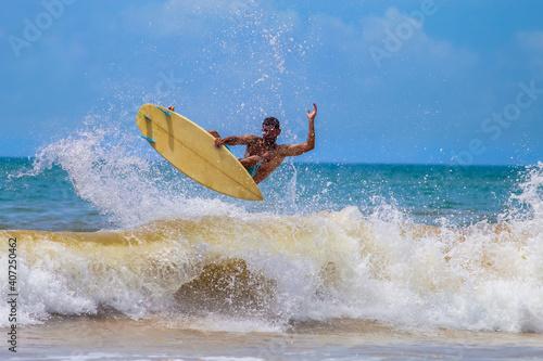 Billede på lærred SURFISTA NAS ONDAS DE GUARAPARI, ESPIRITO SANTO, BRASIL.