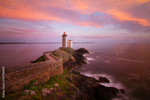 Papel de parede Lighthouse Phare du Petit Minou at sunset, Brittany, France