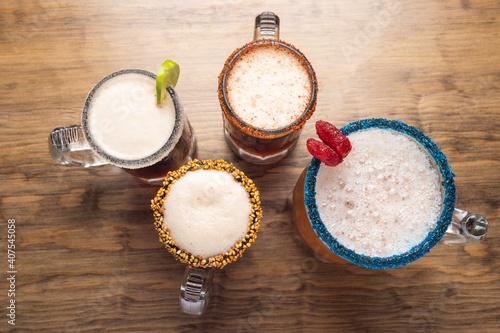 Fotomural Michelada beer on wooden table