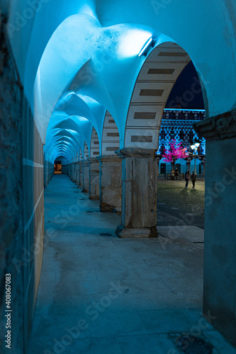 Fotografie, Obraz Photo of different colonnades with an Arabic architecture style and illuminated
