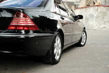 Executive Class Car, Black, With  Beautiful Wheels, Large Chrome Grille.