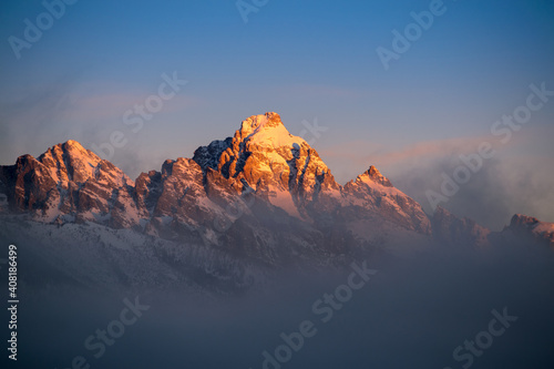 Fotografia, Obraz Sunrise in the mountains. Grand Teton