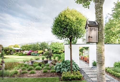 Fototapeta  Beautiful home garden in full bloom  obraz