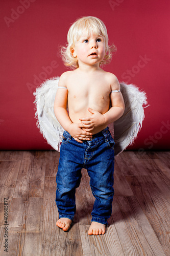 Infant baby with angel wings and jeans Tapéta, Fotótapéta