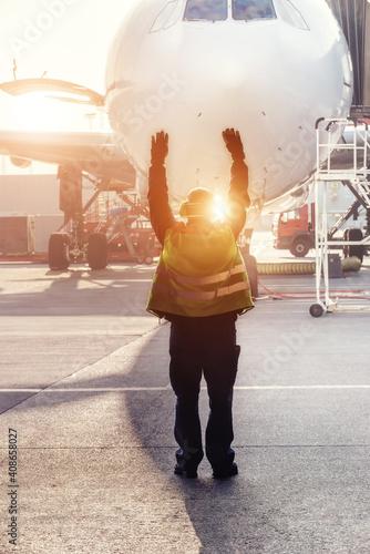 Fotografia, Obraz Ground Crew in the signal vest