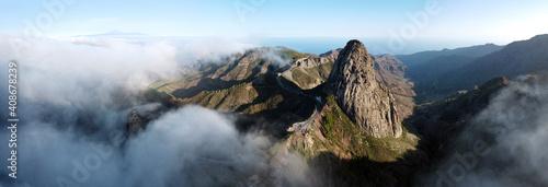Panoramiczny krajobraz, Roque de Agando, La Gomera, Wyspy Kanaryjskie. Wysokiej jakości zdjęcie