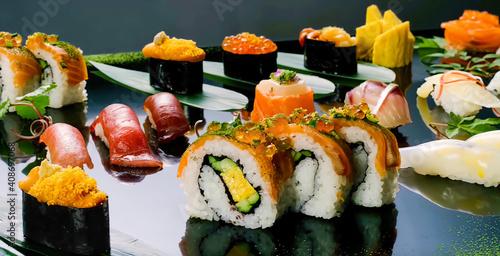 Fototapeta set of sushi obraz