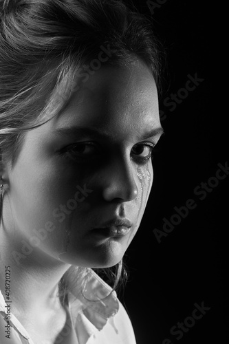sad crying girl Poster Mural XXL