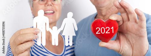 Fototapeta premium Familie und Herz 2021