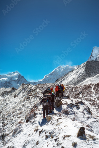 Valokuva Mountaineers make climbing Mount Island Peak Imja Tse , 6,189 m, Nepal