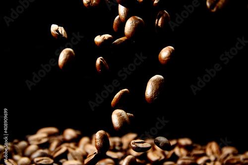 Fototapeta Macro of roasted coffee beans