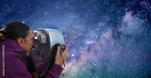 girl looks with the sky star binoculars girl looks with the sky star binoculars Fotobehang