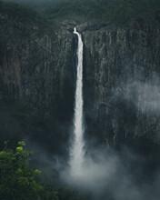 Wallaman Waterfall