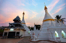 Wat Phra That Doi Kong Mu It Is A Temple And Relics Of Mae Hong Son Province, Thailand, Burmese-style Temple In Dusk, Beautiful Twilight Sky. This Temple Is An Important