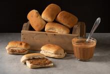 Pão Com Pasta De Amendoim