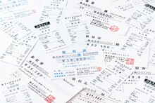 経費・経理・会計イメージ(大量の領収書/領収証・レシート)