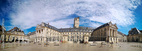 Fotografia Ducal Palace of Dijon, capital of Burgundy, overlooking the Royal Square built b