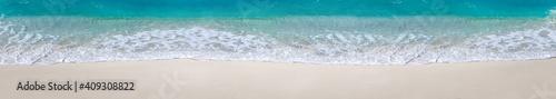 Fotografie, Obraz Sea waves with foam on white tropical beach. Long banner.