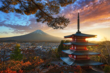 Beautiful Autumn Scenery Of Red Pagoda Chureito The Famous Tourist Attraction In Fujinomiya Town And Mount Fuji At Sunset In Yamanashi Prefecture, Japan