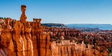 """Die Orange Leuchtenden """"Hoodoo´s"""" Des Bryce Canyon Nationalpark In Den USA."""