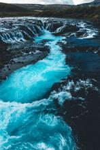 Water Waves Hitting Rocks