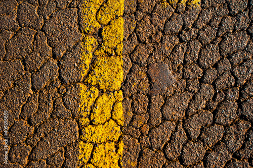 Foto texture. asphalt and signaling lane